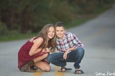 Sibling Photography, Autumn Photography, Sibling Poses, Siblings, Sibling Beach Pictures, Family Photos, Couple Photos, Posing Ideas, Picture Ideas