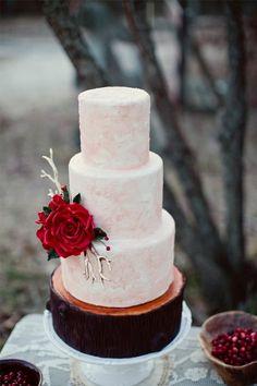Idée gateau de mariage noel tout en élégance ! #Winter #Weddings #Cakes