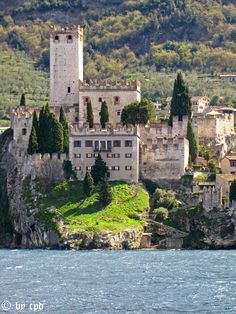 Castello Scaligero, Malcesine, Lago di Garda, Italy Lake Garda Wedding, Lake Garda Italy, Best Of Italy, Italian Lakes, Miles To Go, Verona, Italy Travel, Cool Places To Visit, Vacation