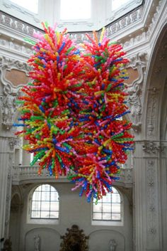 One of many balloon installations by Korean artist Choi Jeong Hwa, the 'Rapid Consumerism' series. Hanging Balloons, Balloon Installation, Korean Artist, Balloon Decorations, Public Art, Pattern Art, Art Forms, Sculpture Art, Contemporary Art
