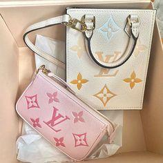 Lady Dior, Clutch Wallet, Cute Shoes, Designer Handbags, Luxury, Hand Bags, Accessories, Heart, Closet