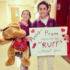 How could you say no to a promposal with a stuffed animal pun? Cute Homecoming Proposals, Homecoming Posters, Hoco Proposals, Formal Proposals, High School Dance, School Dances, Prom Invites, Cute Promposals, Asking To Prom