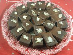 NEGRESA KETO Keto, Deserts, Candy, Sweet, Rome, Postres, Sweets, Dessert, Candy Bars