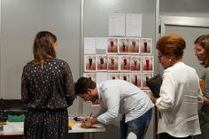 Diego Estrada, exalumno de IED Moda Lab Madrid, en la Madrid Fashion Week.  Fotografía: ©Antonio Guzmán