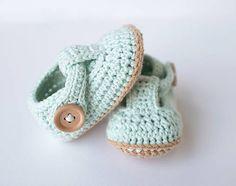 milasila / papučky/sandálky Cute Crochet, Keds, Baby Shoes, Clothes, Fashion, Outfits, Moda, Clothing, Fashion Styles