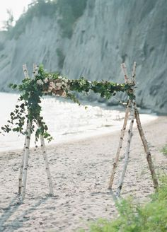 A floral arch doesnt get any easier than this DIY.  Living Fresh | Whitney Heard Photography