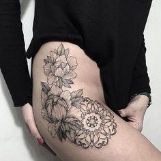 Хорошего вечера, дорогие подписчики Мастер @alinatu  Запись: alinatuart@gmail.com  By @alinatu  Mail to alinatuart@gmail.com to make an appointment. #sashatattooingstudio #blackwork #tattoo