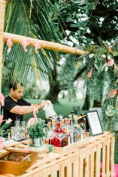 Ibiza Party, Aloha Party, Cuban Party Theme, Marie's Wedding, Wedding Mood Board, Tropical Bridal Showers, Tropical Party, Havanna Nights Party, Havana Nights Theme