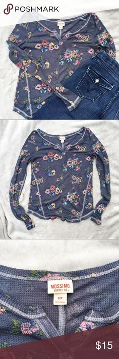 Floral Long Sleeve Perfect for layering floral long sleeve! Light weight, gorgeous color and detail. Layer underneath a cardigan or wear as is during those warmer fall days! Offers welcome! Mossimo Supply Co Tops