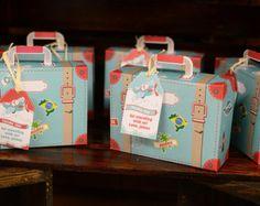 Caja para fiesta imprimible en forma de maleta por MulberryPaperie