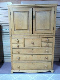 GORGEOUS ANTIQUE PICKLE PINE ENGLISH CUPBOARD circa 1850