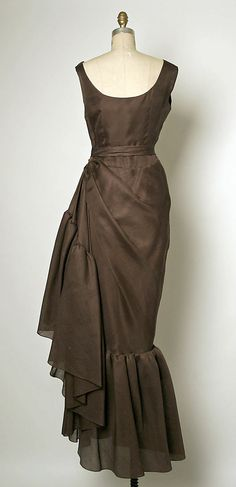 Evening dress House of Balenciaga  (French, founded 1937) Designer: Cristobal Balenciaga (Spanish, 1895–1972) Date: 1963–67 Culture: French Medium: silk Dimensions: Length: 63 1/2 in. (161.3 cm) Credit Line: Gift of Florence Van Der Kemp, 1975