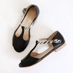 2c97927da675c7 Peep toe leather sandals