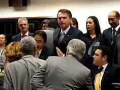 Domingos Dutra tenta agredir Jair Bolsonaro em primeira audiência de Mar... Mais um palhaço no Congresso: Domingos Dutra.