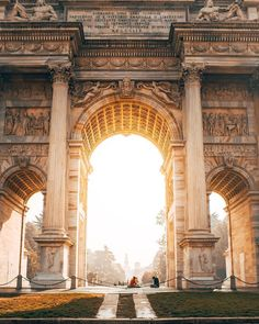 That golden light Use #AutumninLombardia to share your photos from the region and look for travel inspiration for your next vacation! Location Arco della Pace Milano . by @flooberg . #inLombardia #Lombardia #milano #milan #autumn #beautifulplaces #top_italia_foto #ig_worldclub #ig_lombardia #igersmilano #theprettycities #igerslombardia #igersitalia #italia #italy #whatitalyis #ilikeitaly #yallerslombardia #yallersitalia #stayandwander #wonderful_places #bestvacations #discoverglobe…