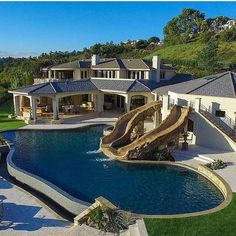 Luxury Swimming Pools, Luxury Pools, Dream Pools, Swimming Pool Designs, New York Penthouse, Dream House Exterior, Dream House Plans, Millionaire Mansion, Millionaire Lifestyle