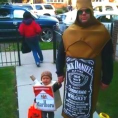 This has got to be the best Halloween costume for any parent who has been featured on the TV program: Cops.