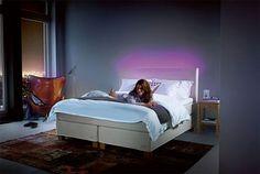 Belysningen kan brukes for å skape ekstra trivsel på soverommet. Bed, Furniture, Home Decor, Decoration Home, Stream Bed, Room Decor, Home Furnishings, Beds, Home Interior Design