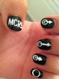 My Chemical Romance nailart Band Nails, My Nails, Emo Nail Art, Music Nails, Cute Emo Outfits, Nailart, Emo Bands, Hair Bands, Beard Lover