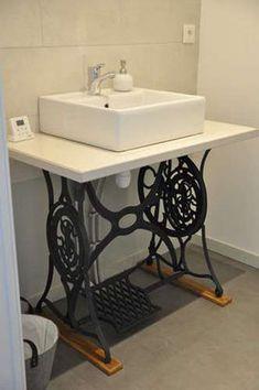 Garage Furniture, Repurposed Furniture, Diy Furniture, Old Sewing Machine Table, Old Sewing Machines, Best Plants For Bedroom, Luxury Garage, Barn Renovation, Toilet Design
