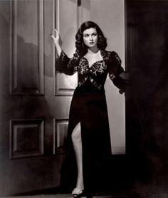 Joan Bennett, 1945