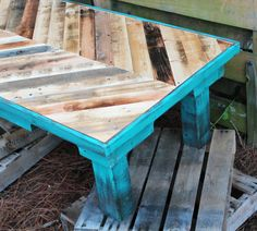 Pallet Wood Coffee Table with Chalk Paint® decorative paint by Annie Sloan in Florence.