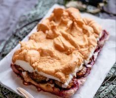Meggyes-grízes máktorta Recept képpel - Mindmegette.hu - Receptek Apple Pie, Waffles, Bacon, Breakfast, Cooking, Morning Coffee, Waffle, Apple Pie Cake, Pork Belly