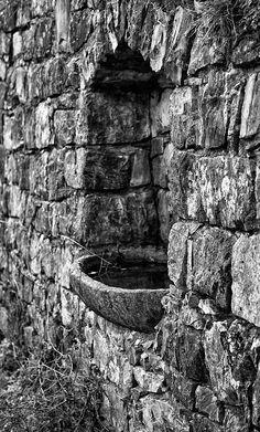 Fontana nel muro