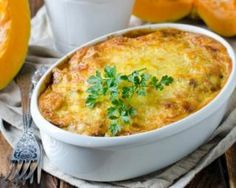 This warming and nourishing gratin recipe with beans and pumpkin or squash is perfect for cold autumn evenings. 200 Calories, Veggie Recipes, Cooking Recipes, Healthy Recipes, Salty Foods, Light Recipes, No Cook Meals, Coco, Love Food