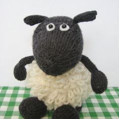 Loopy the Sheep toy knitting pattern