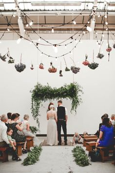 edgy-minimalistic-wedding-in-a-birmingham-art-gallery | photo: http://www.wearemattandjess.com