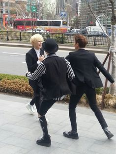 Onew, Key, Minho, Taemin - Spotted on the Street 4/15/13; this is precious :)