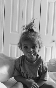 such a cute baby I Want A Baby, Cute Little Baby, Baby Kind, Little Babies, Little Ones, Cute Babies, Baby Baby, Cute Family, Baby Family