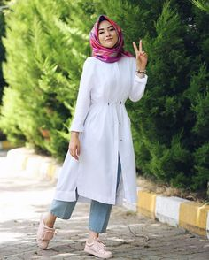 Hijab style for summers Islamic Fashion, Muslim Fashion, Modest Fashion, Fashion Outfits, Casual Hijab Outfit, Hijab Dress, Casual Dresses, Hijab Style, Hijab Chic