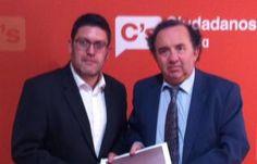 El rector de UMU pide a C's apoyo para aplicar la normativa estatal y así solucionar su problema con la UCAM  Miguel Sánchez (i) junto al rector Orihuela.