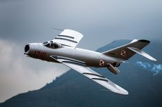 MiG 17 Pass