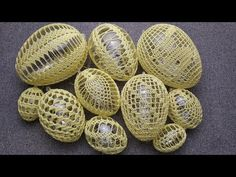 Easter Crochet, Crochet Yarn, Eastern Eggs, Easter Egg Designs, Easter Crafts, Diy And Crafts, Projects To Try, Colours, Make It Yourself