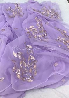 Beautiful Pure chiffon Saree with 5 big Motifs in Aari and sequins work. Comes with Running Blouse piece. Chiffon Saree Party Wear, Bridal Silk Saree, Plain Chiffon Saree, Plain Saree, Pure Georgette Sarees, Indian Silk Sarees, Designer Party Wear Dresses, Indian Designer Outfits, Shiffon Saree