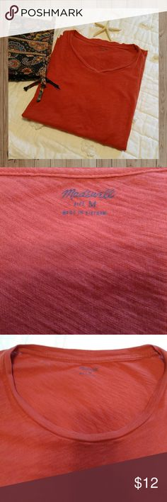 🌴Madewell 100% Cotton Tee Breathable, roomy size medium crewneck.  Silky feeling cotton in a heathered deep orange colour. Tapers on the sides. 15 % bundle discount. Madewell Tops Tees - Short Sleeve