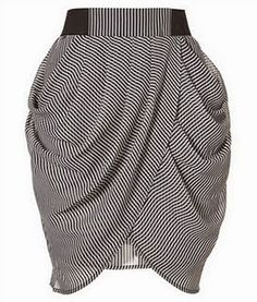 Tulip skirt from pencil skirt pattern. Diy Clothing, Sewing Clothes, Diy Fashion, Fashion Dresses, Fashion Design, Diy Jupe, Skirt Images, Do It Yourself Fashion, Tulip Skirt