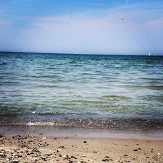 via Instagram sunmeliss: #ÜberWasser #klareswasser #ostsee #strand #kalifornien #schönbergerstrand #summer #Beach #water #clearwater the clear wide sea