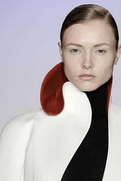 Sculptural Collar - two tone contoured collar detail; bold contrasts; 3D fashion // Jil Sander
