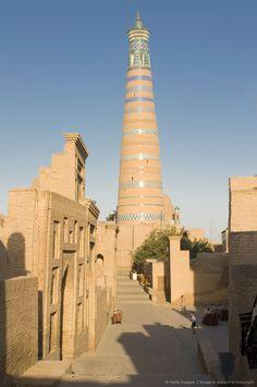 Minaret in Ichon-Qala (Itchan Kala) Fortress, UNESCO World Heritage Site, Khiva, Uzbekistan, Central Asia