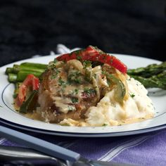 Creamy Bell Pepper Pork Chops Sorry, my mouth is watering too hard to concentrate. - Sorry, my mouth is watering too hard to concentrate. Pork Chop Recipes, Meat Recipes, Chicken Recipes, Dinner Recipes, Cooking Recipes, Healthy Recipes, Cooking Games, Burger Recipes, Salads
