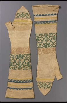 Pair of knitted mitts | Museum of Fine Arts, Boston. Italian. 17th century. Knit silk.
