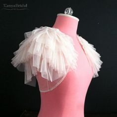~ lovely cover up for your wedding day ~ Unique bolero shrug provides extra coverage on a strapless gown for the ceremony. Would also look great with a Diy Dress, Tulle Dress, Dress Outfits, Dress Up, Prom Dresses, Emo Outfits, Fashion Dresses, Tulle Wedding, Wedding Gowns