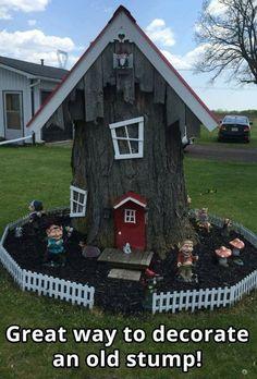 So kann ein alter Baumstumpf im Garten aussehen! This is how an old tree stump can look in the garden! Fairy Tree Houses, Fairy Garden Houses, Gnome Garden, Garden Trees, Fairy Gardens, Trees For Front Yard, Fairy Doors, Garden Crafts, Diy Garden