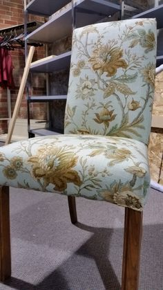 Head Boards, Home Staging, Accent Chairs, Decorating, Diy, Furniture, Home Decor, Upholstered Chairs, Bricolage