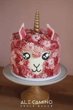 Fun birthday cake idea: Llama-corn Cake by Torta Llamacornio. Llama and unicorn … Lustige Geburtstagstorten-Idee: Lama-Maiskuchen von Torta Llamacornio. Cupcakes, Cake Cookies, Cupcake Cakes, Cake Boss Cakes, Fancy Cakes, Mini Cakes, Animal Cakes, Gateaux Cake, Cool Birthday Cakes