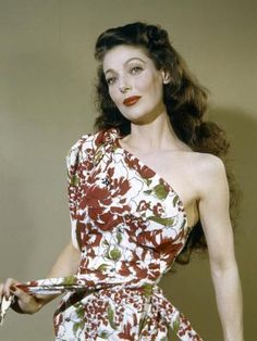 Born 1913 as Gretchen Young in Salt Lake City, Utah, American actress Loretta Young had her first role at the age of three, in the silent fi. Old Hollywood Movies, Golden Age Of Hollywood, Hollywood Stars, Hollywood Actresses, Classic Hollywood, Actors & Actresses, Hollywood Icons, Hollywood Glamour, Blonde Actresses